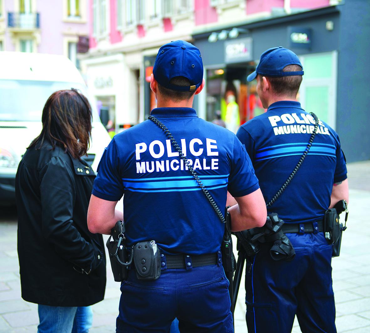 Sécurité : vers la pérennisation des caméras mobiles pour les policiers municipaux