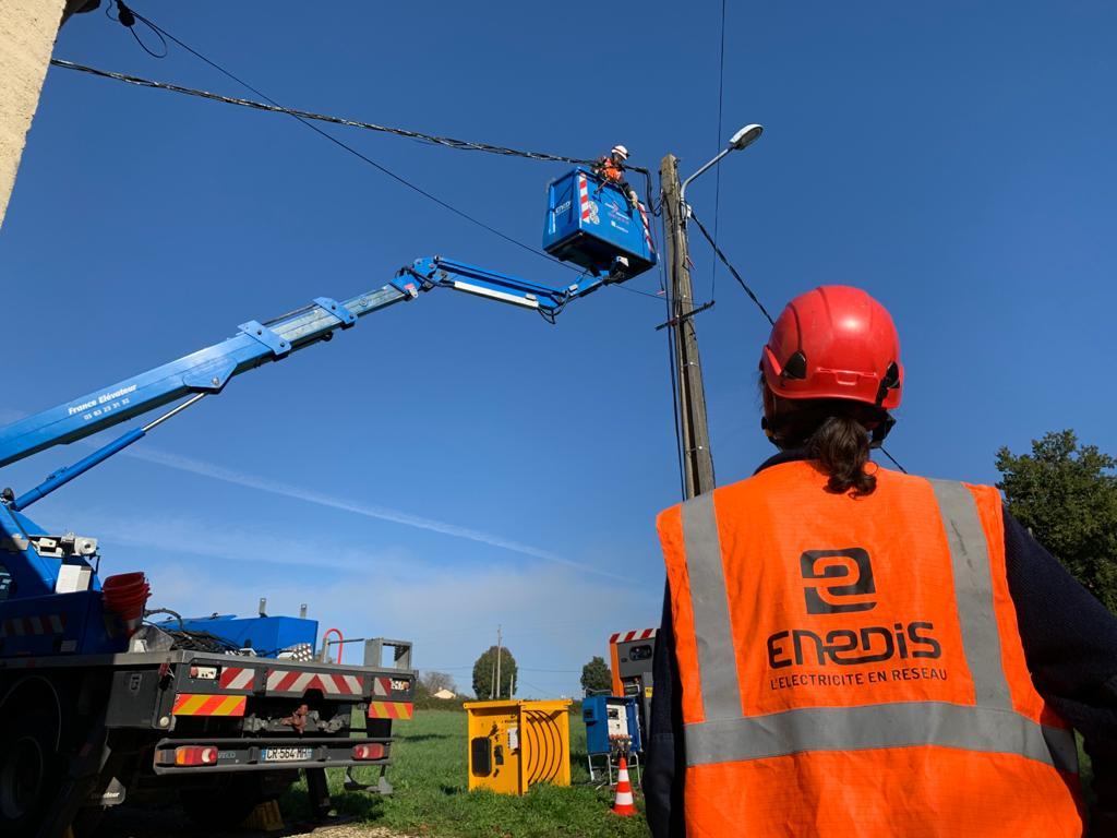 Electricité : Enedis imagine le réseau public de distribution de demain